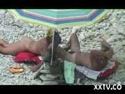 Маструбация и минет на пляже нудистов онлайн видно