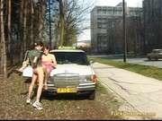 Таксист ибёт женщину рыжую в машине